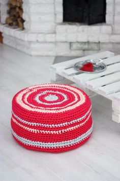 crocheted pouf  *inspiration