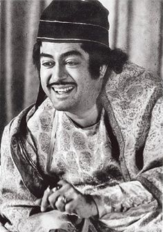 This face reflects the 'happy face' of all humanity. Rare Pictures, Funny Pictures, Funny Pics, Sanjeev Kumar, Satyajit Ray, Gk In Hindi, Kishore Kumar, Film World, Indian Music