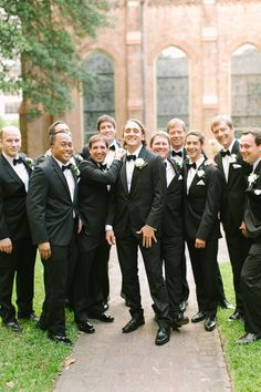 tuxedo groomsmen | Mustard Seed Photography #wedding