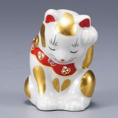 Japanese Lucky Cat Kutani Porcelain Maneki Neko gold bow head H8.5cm  $83.00
