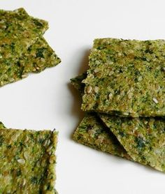 RAW DEHYDRATED - Zucchini, arugula and sesame crackers - Liver cleansing raw food diet recipes. Fatty Liver Diet, Healthy Liver, Cleanse Recipes, Diet Recipes, Cooking Recipes, Raw Vegan Recipes, Healthy Recipes, Healthy Snacks, Healthy Eating