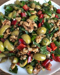 Hatay Usulü Nefis Yeşil Zeytin Salatası Also in Hatay cuisine with appetizers of Turkey's rich cuisine it has a rich place. When you put the roasted peppers, potatoes,… Continue Reading → Green Olive Salad, Lunch Recipes, Vegan Recipes, Lunch Meals, Cottage Cheese Salad, Turkish Recipes, Ethnic Recipes, Roasted Onions, Cold Appetizers