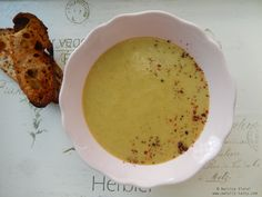 Supa crema de legume cu tarhon.  Tarragon and vegetable creamy soup.
