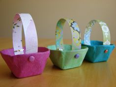 Tiny baskets made of egg carton sections. Easy craft for the kids to do. #Craft #Baskets #Kids #Recycle