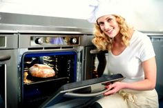 Learn how to clean your oven with these tips so you can prevent your oven from becoming a fire hazard. Here are tips for cleaning a textured oven, self-cleaning oven and a regular oven. Oven Cleaning Hacks, Self Cleaning Ovens, Microwave Grill, Microwave Plate, Grill Oven, Commercial Ovens, Commercial Kitchen Equipment, Oven Toaster Griller, Panasonic Microwave