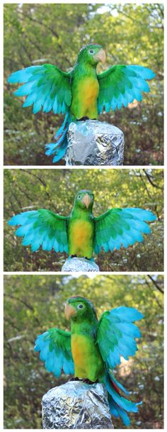 Edible parrot for birthday cake with jungle theme