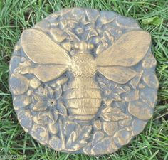plastic-small-pebbled-bee-mold-plaster-mold-concrete-mold-8-x-1-2-thick