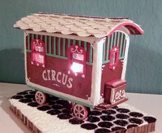 Vintage Gingerbread Circus Wagon : Gingerbread House on Craftster.org