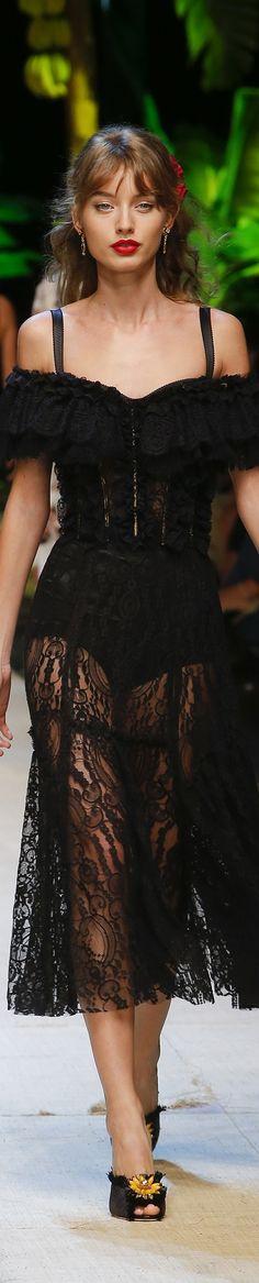Dolce and Gabbana SS 2017 RTW