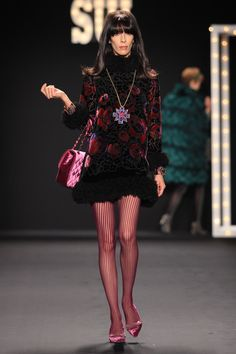 ANNA SUI FALL 2013  LOOK 25