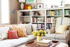 A Bright & Organized Family Room: Create a Stylish, Clutter-Free Space