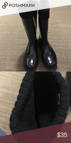 Insulated boots with sweater liner Black!! insulated boots fit tight in the calf never Been Worn and fit very Tight in the calf Kamik Shoes Winter & Rain Boots