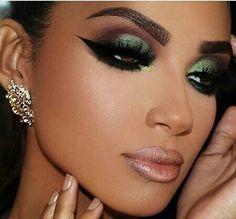 Love the eyeliner and eye makeup Seductive Makeup, Sexy Makeup, Cute Makeup, Glam Makeup, Gorgeous Makeup, Makeup Inspo, Bridal Makeup, Makeup Inspiration, Beauty Makeup