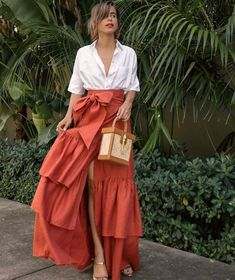 Blouse: Madewell, (similar here) Skirt: Johanna Ortiz Sandals: Schutz Bag: Sancia Earrings: Oscar de la Renta, I also love this pair, this pair and this pair -- -- Skirt Outfits, Chic Outfits, Summer Outfits, Summer Dresses, Look Fashion, Skirt Fashion, Fashion Dresses, Womens Fashion, Fashion 2020