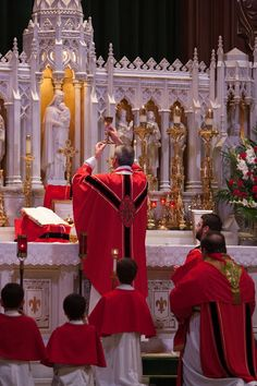 Te Deum laudamus! Pentecost Solemn High Mass. Not sure which parish, but I would have liked to have been there.