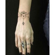 """Design your own photo charms compatible with your pandora bracelets. Tatuagem feita por <a href=""""http://instagram.com/lingtattoo"""">@lingtattoo</a> - Acreditem, foi feita a mão livre!  Ling Gold tattoo SP Rua Marselhesa 535, Vila Mariana - SP Lingtattooist@gmail.com www.facebook.com/lingtattooist"""