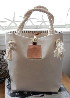Canvas Tote Bag with Starfish on Leather – Canvas Handbag – Rope Handles Canvas Tote Bag mit Seestern auf Leder – Canvas Handtasche – Rope Griffe Canvas Handbags, Tote Handbags, Canvas Tote Bags, Purses And Handbags, Leather Handbags, Canvas Totes, Canvas Purse, Tote Purse, Leather Purses