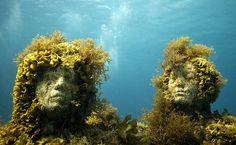 Jason deCaires Taylor – 6 Things About the Underwater Sculptor & Marine Activist Underwater Sculpture, Underwater Art, Underwater Museum Mexico, Jason Decaires Taylor, Artistic Installation, Light Installation, Art Installations, Modern Sculpture, Metal Sculptures