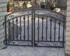 Delaware x Wrought Iron Yard Gate - Antique Style Custom - Decorative Metal Entrance Gateway - Heavy Steel To Last Iron Front Door, Front Gates, Entrance Gates, Front Entry, Metal Gates, Wrought Iron Fences, Aluminum Driveway Gates, Modern Driveway, Tor Design