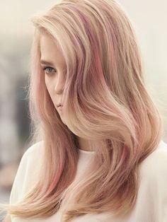 Du blond fraise dans les méches