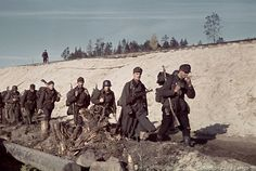 Finnish soldiers walked along the railroad tracks that looks like Salla direction railroad, the only one railroad track in Lapland at the time. The railroad that goes from Kemi-Rovaniemi-Kemijärvi-Salla