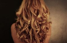 Long beautiful curls - Love this, now if I could make my curly hair look like this :) Curled Hairstyles, Pretty Hairstyles, Wavy Hair, Her Hair, Long Hair, Curly Blonde, Long Curly, Thick Hair, Coiffure Hair