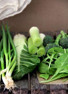 Comer verduras de color verde como espinacas, berza o col es garanta de cido flico, bueno para el sistema nervioso y tu nimo.