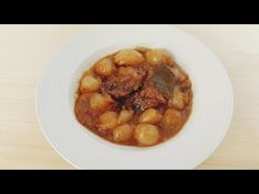 A simple stew with meat of your choice and small onions. Ingredients 500 gr / oz m. Black Eyed Peas, Stew, Meat, Bliss, Youtube, Food, Recipes, Eten, Meals
