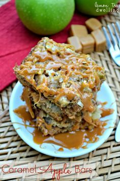 Caramel Apple Bars - ooey, gooey, and perfect for fall!  ☀CQ #sweets #apple #desserts