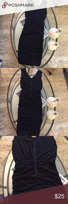 Alice + Olivia dress Alice + Olivia pencil dress .. has a little damage for dry cleaning Alice + Olivia Dresses