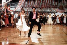 Las canciones que no pueden faltar en tu boda :http://www.bailarinasplegables.com/las-canciones-que-no-pueden-faltar-en-tu-boda/