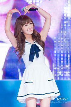 Eunji performing #nonono