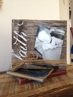 Faith Barn wood picture frame by LovebugWreathsNmore on Etsy Unique Picture Frames, Picture Frame Crafts, Barn Wood Picture Frames, Picture On Wood, Barn Wood Crafts, Barn Wood Projects, Diy Projects To Try, Craft Projects, Cadre Photo Diy