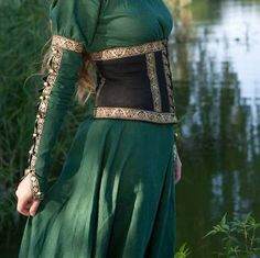 Image via We Heart It #celtic #medieval #pagan #alternativeclothes #celticclothes #paganclothes #medievaldressess