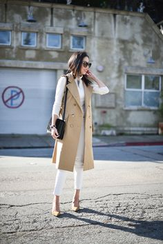 Elegant Office Outfits Every Woman Should Own - - 61 What Should You Wear This Valentines Day: The 30 Best Outfit Ideas Business Casual Attire, Business Outfit, Preppy Mode, Preppy Style, Plaid Fashion, Fashion Outfits, Women's Fashion, Beige Vests, Preppy Dresses