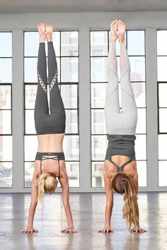 Yoga Clothes : is featured in the Interlace Bra and Entwine Legging and is featured in the Gala Bra Tank and Epic Legging Yoga Leggings, Yoga Pants, Yoga Fitness, Fitness Tips, Fitness Pants, Easy Fitness, Fitness Wear, Daily Yoga Routine, Yoga Stretches For Beginners