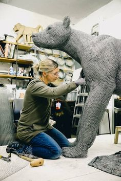 Kendra Haste creates incredibly detailed animals sculptures out of rolls of galvanized wire.