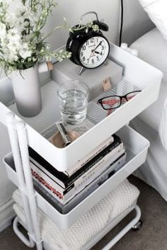 11+ Genius Organization Hacks for Tiny Bedroom   ONE DOES SIMPLY