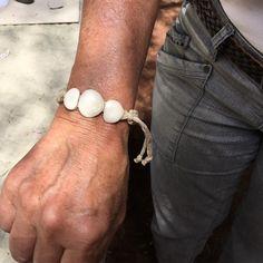 Una de mis preferidas ha elegido Monika para ella y alguna otra de sorpresa #beachtreasures #shellbeach #beachboutique #oceanjewelry  #seajewelry #inimitable #slowlife #filosofiapalmera #fuerteventura