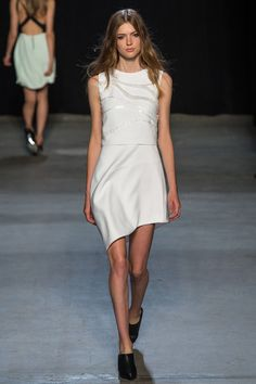 There are a few takes on this silhouette and motif in this show, but the tone-on-tone white is my favorite. Narciso Rodriguez Spring 2015 RTW. #nyfw #NarcisoRodriguez #spring2015