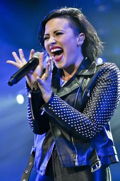 #DemiLovato Preaches Self-Love And Acceptance as She Ushers In 2015 #celebritynews