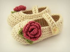 Items similar to Baby Shoes with Roses, Beige Crochet Baby Booties on Etsy