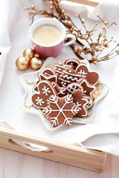 Gingerbread cookies, so nicely decorated :)