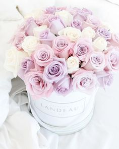 Such a beautiful bouquet✨ Where To Buy Flowers, Pretty Flowers, Amazing Flowers, Beautiful Flower Arrangements, Floral Arrangements, Flower Yellow, Luxury Flowers, Deco Floral, Flower Aesthetic