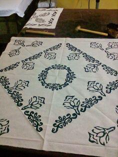 Masa örtüsü Dining Decor, Mark Making, Wood Blocks, Table Linens, Shibori, Wood Print, Embroidery Patterns, Printing On Fabric, Elsa