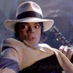 Michael Jackson Photoshoot, Michael Jackson Funny, Michael Jackson Dangerous, Jackson 5, Memes Historia, King Of Music, The Jacksons, Mood Pics, Stupid Funny Memes