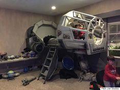 스타워즈 광팬 아빠가 아들에게 만들어 준 밀레니엄 팔콘 침대(사진)