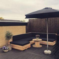 Outdoor Furniture, Outdoor Decor, Bauhaus, Instagram, Home Decor, Decoration Home, Room Decor, Home Interior Design, Backyard Furniture