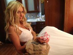 Paris Hilton loves our burgers!