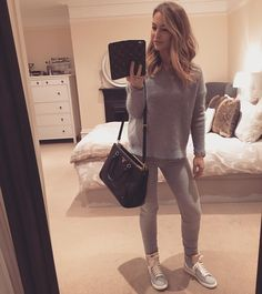 «Casual date night outfit  #datenight #keepinitcasual #dinnerandamovie»
